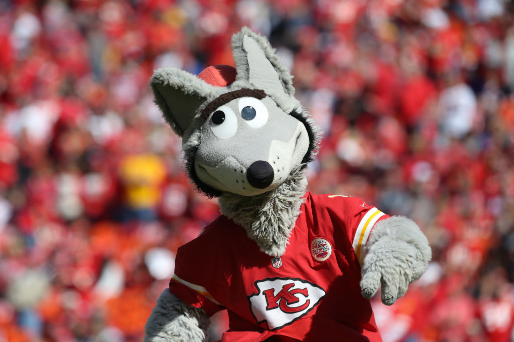 [Image: Kansas-City-Chiefs-mascot-KC-Wolf.jpg]