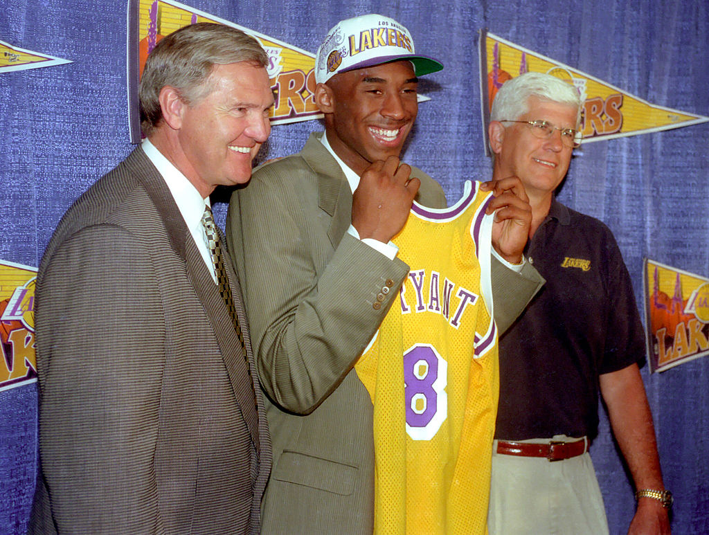 Lakers GM Jerry West, Kobe Bryant, and head coach Del Harris in 1996