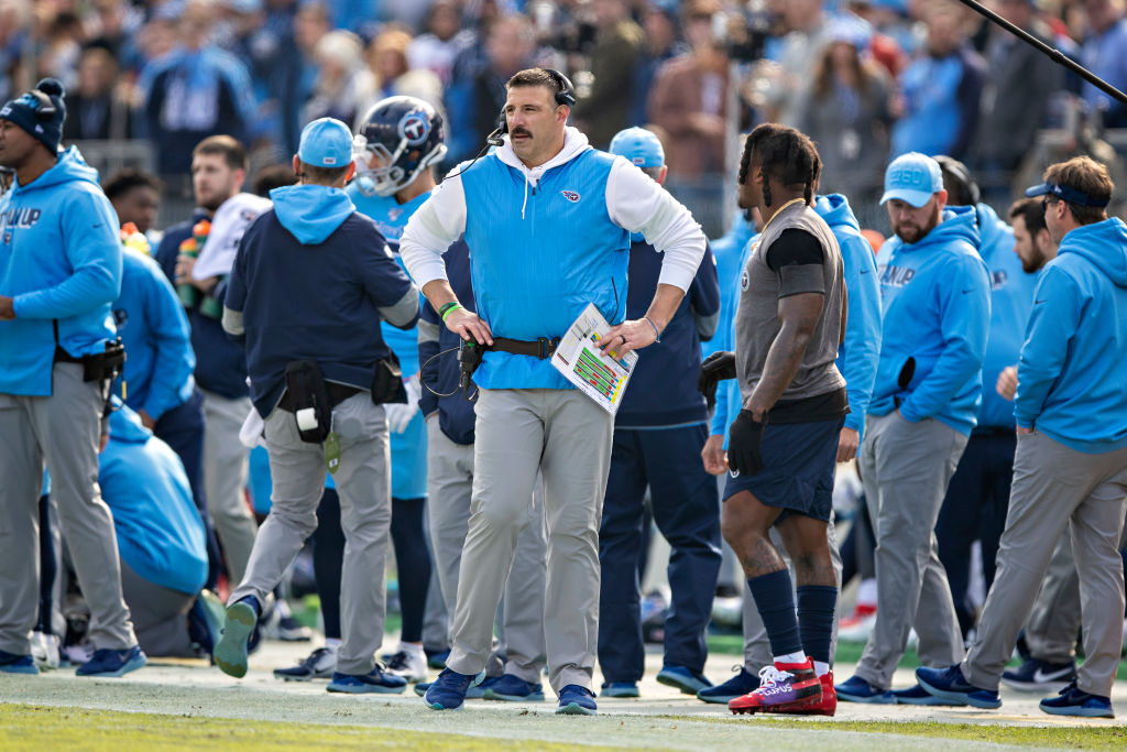 Mike Vrabel's Tennessee Titans will try to knock off Bill Belichick's New England Patriots on Saturday.