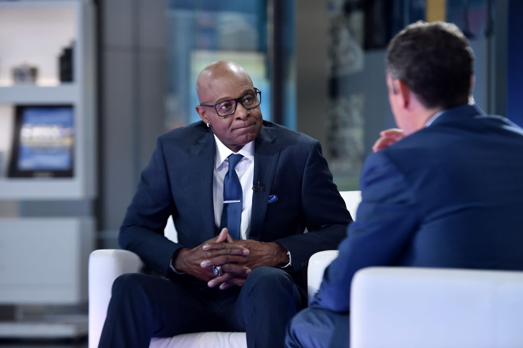 """NFL Hall of Famer Jerry Rice visits """"Fox & Friends"""" in 2019"""