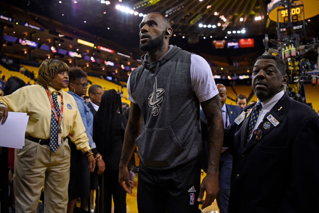 Cleveland Cavaliers' LeBron James leaves the court after practice
