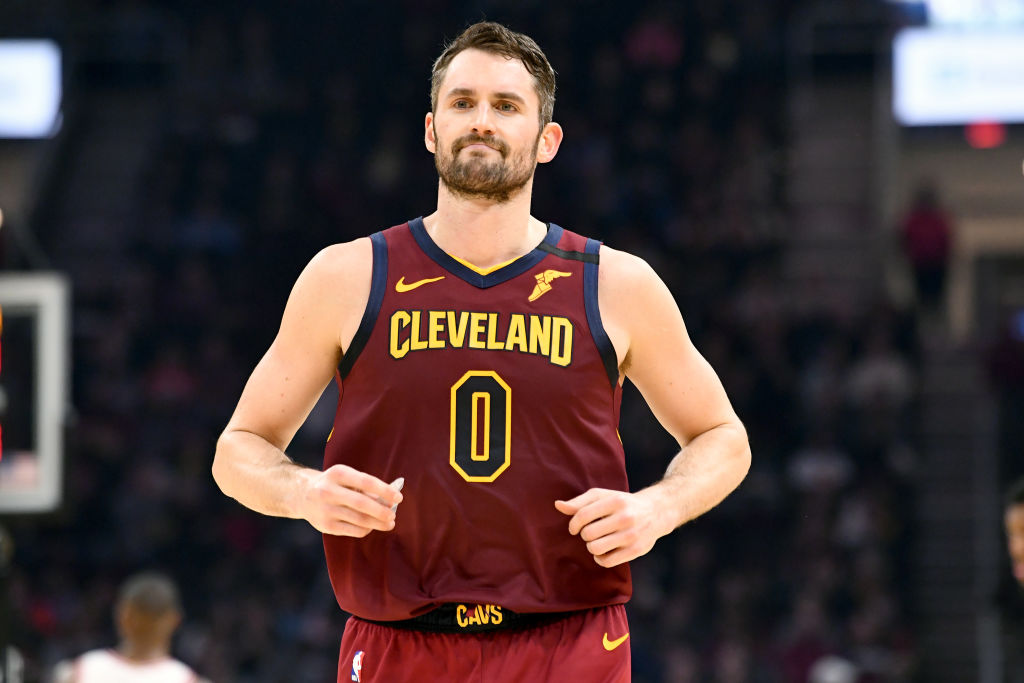 Kevin Love back-peddles down the court