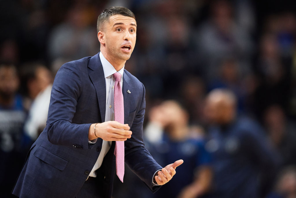 Ryan Saunders coaching his team from the sidelines