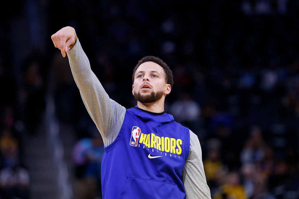 Golden State Warriors guard Stephen Curry will return from a broken hand in March.