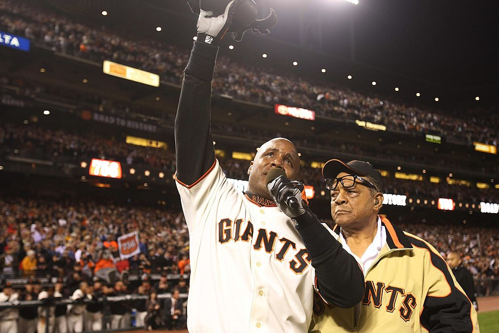 Barry Bonds of the San Francisco Giants celebrates his career home run No. 756 with Willie Mays in 2007