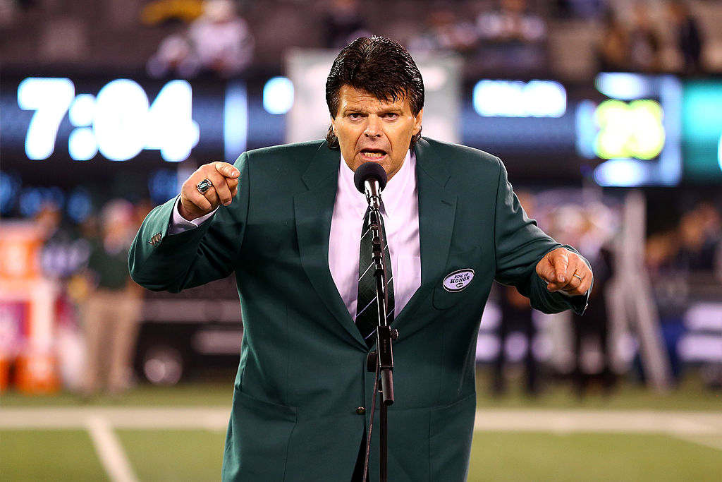 After years of being quiet, Mark Gastineau finally opens up on how he really feels about Michael Strahan's single-season sacks record.
