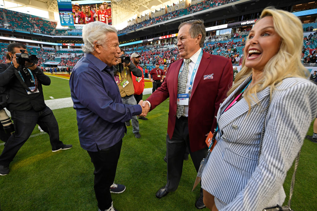 New England Patriots CEO Robert Kraft shakes hands with Patriots head coach Bill Belichick before the start of Super Bowl LIV