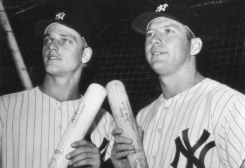Roger Maris and Mickey Mantle pose for a team photo