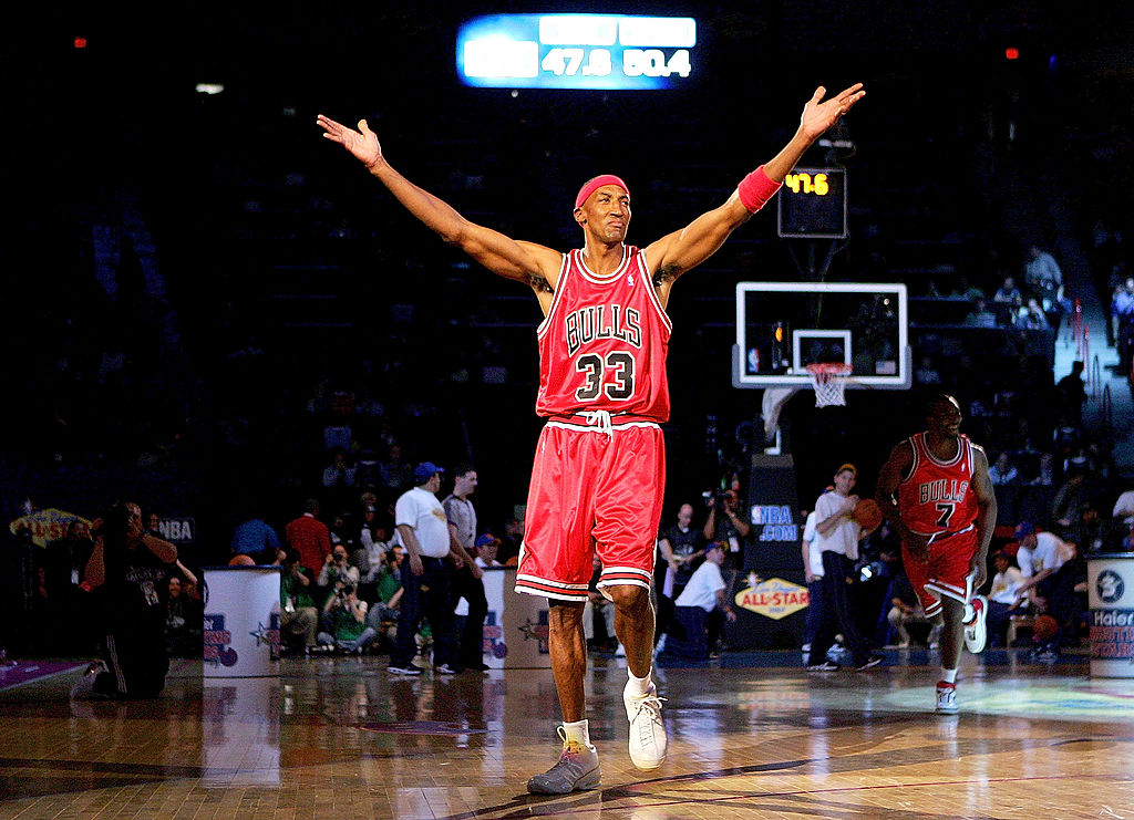 Scottie Pippen celebrating to the crowd