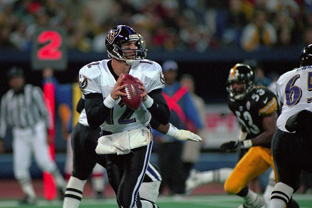 Longtime NFL quarterback Vinny Testaverde was the first player to score a touchdown for the Baltimore Ravens. Testaverde played for six NFL teams in 21 seasons.