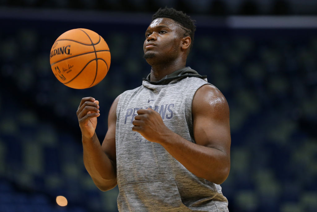 Zion Williamson warming up before a game