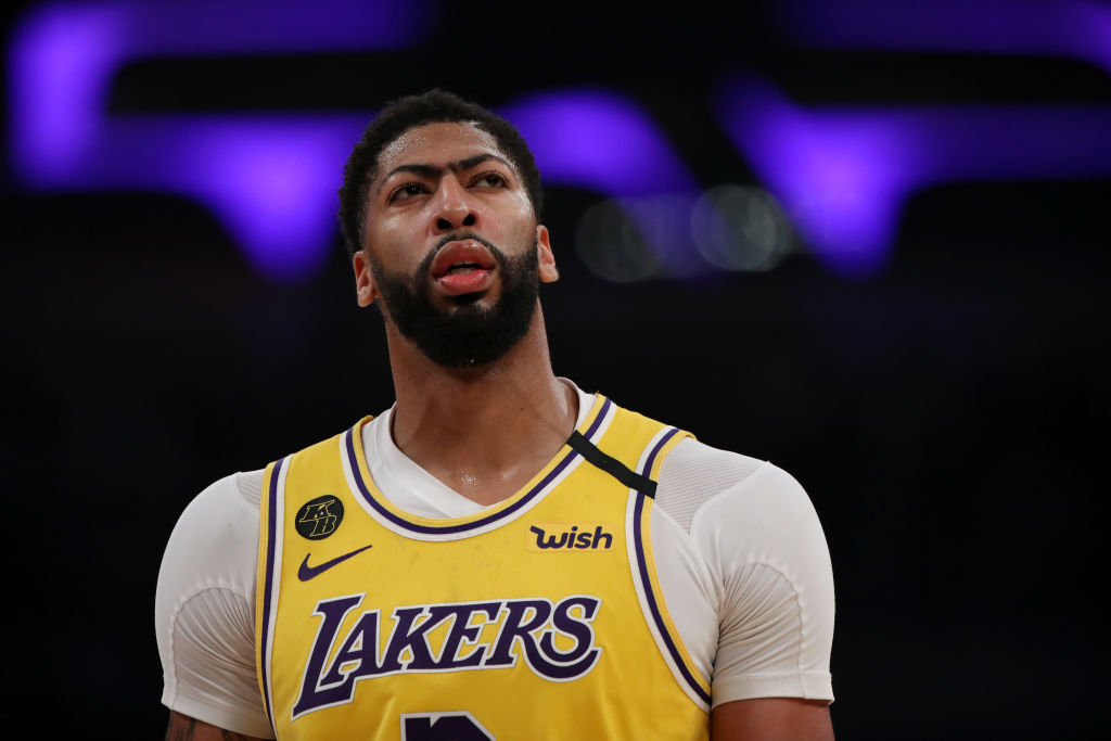 Anthony Davis Has Los Angeles Lakers Fans Worried