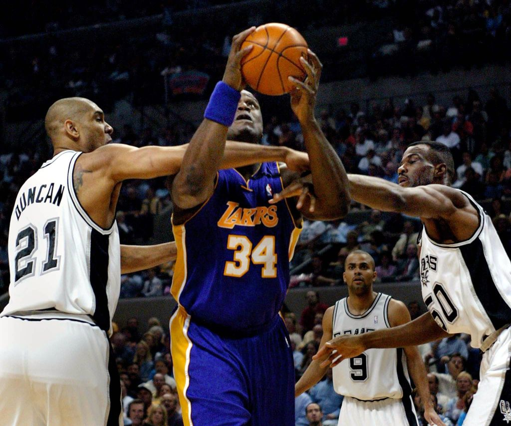 Shaquille O'Neal vs. David Robinson 'Beef' Hit a High 26 Years Ago When The Admiral Scored 71