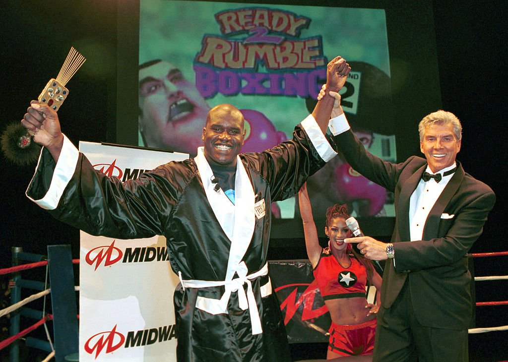 """Shaquille O'Neal once got in the ring with """"Sugar"""" Shane Mosley for his television show in 2010. He did better than you might expect."""