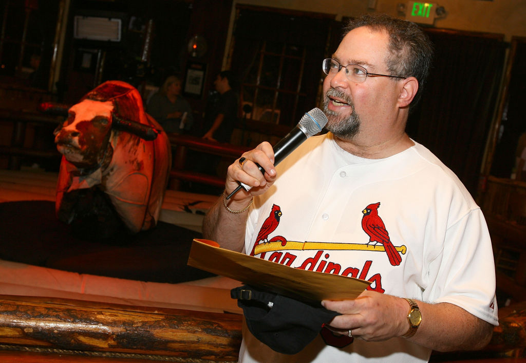 Former ESPN personality Howie Schwab is bringing his fan favorite trivia show, 'Stump the Schwab,' back for one night.
