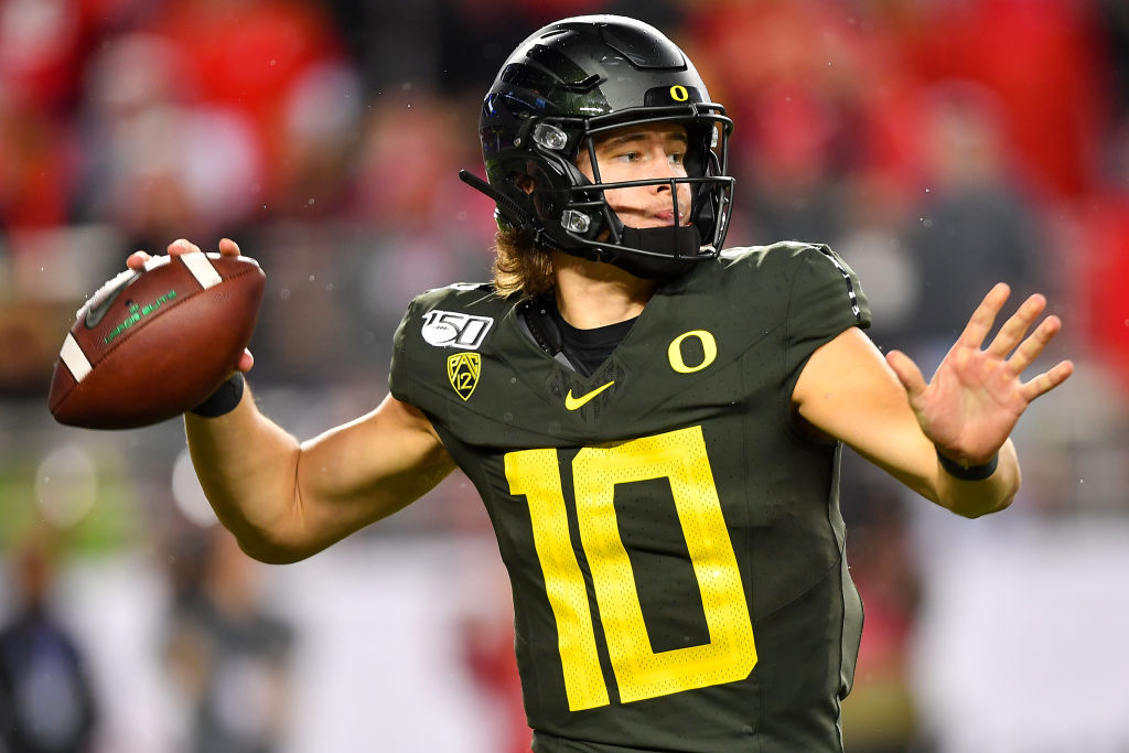 Kurt Warner Thinks Justin Herbert's Technique Could Be a Problem at the NFL Level