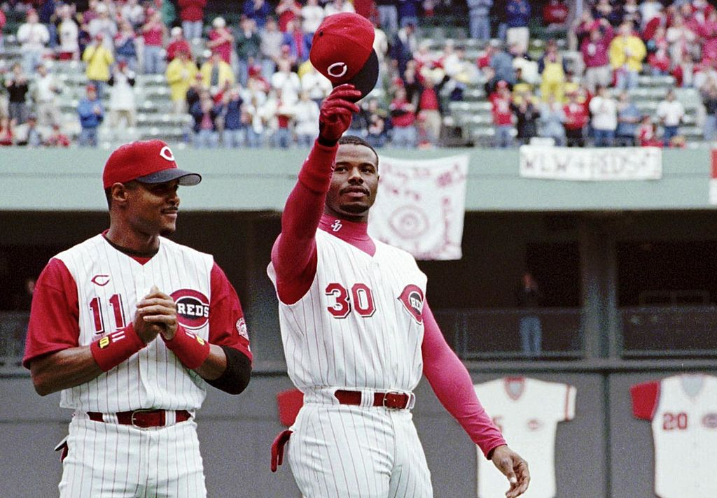 Ken Griffey Jr. Hit 400th Career Home Run on This Day in 2000