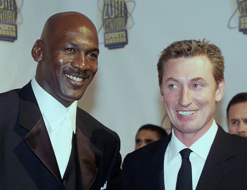 Wayne Gretzky once called out Michael Jordan for leaving a bad tip.