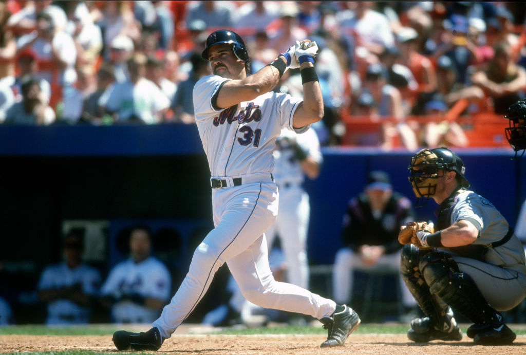 Mike Piazza is worth $70 million, but couldn't make his soccer team a financial success.