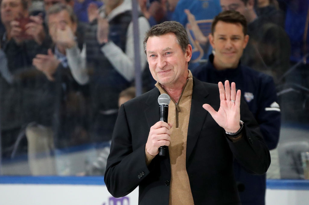 Wayne Gretzky talking to fans before an NHL All Star game
