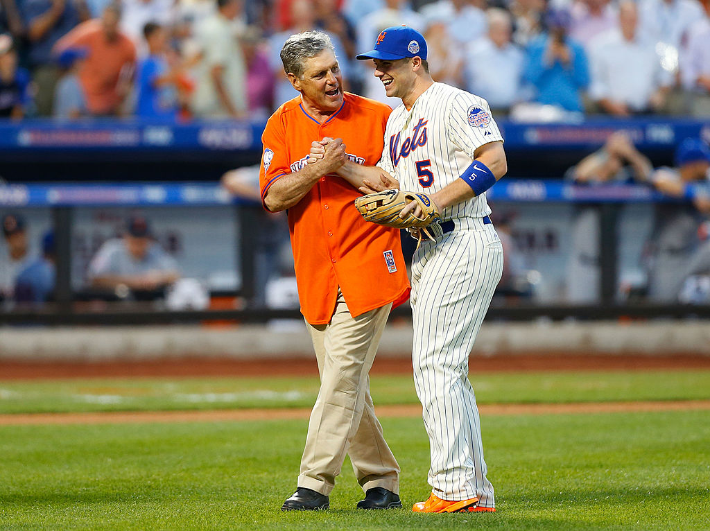 The Mets' David Wright greets MLB Hall of Famer Tom Seaver