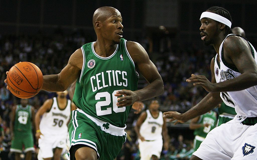 Ray Allen dribbling the ball in a Celtics game