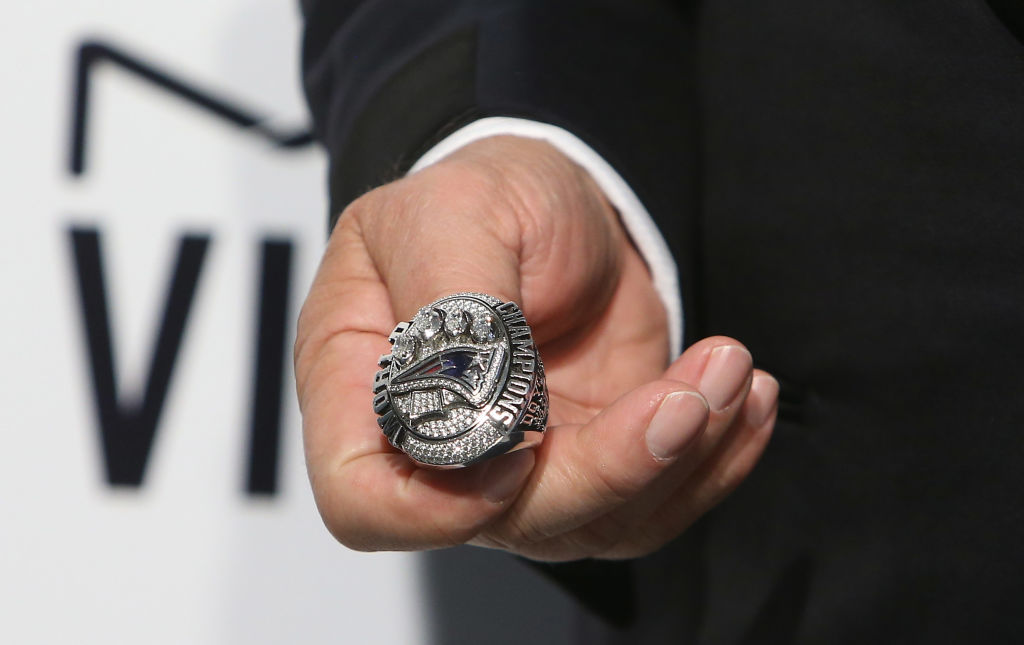 Patriots owner Robert Kraft sold one of his Super Bowl rings for an incredible amount of money that went to an even better cause.