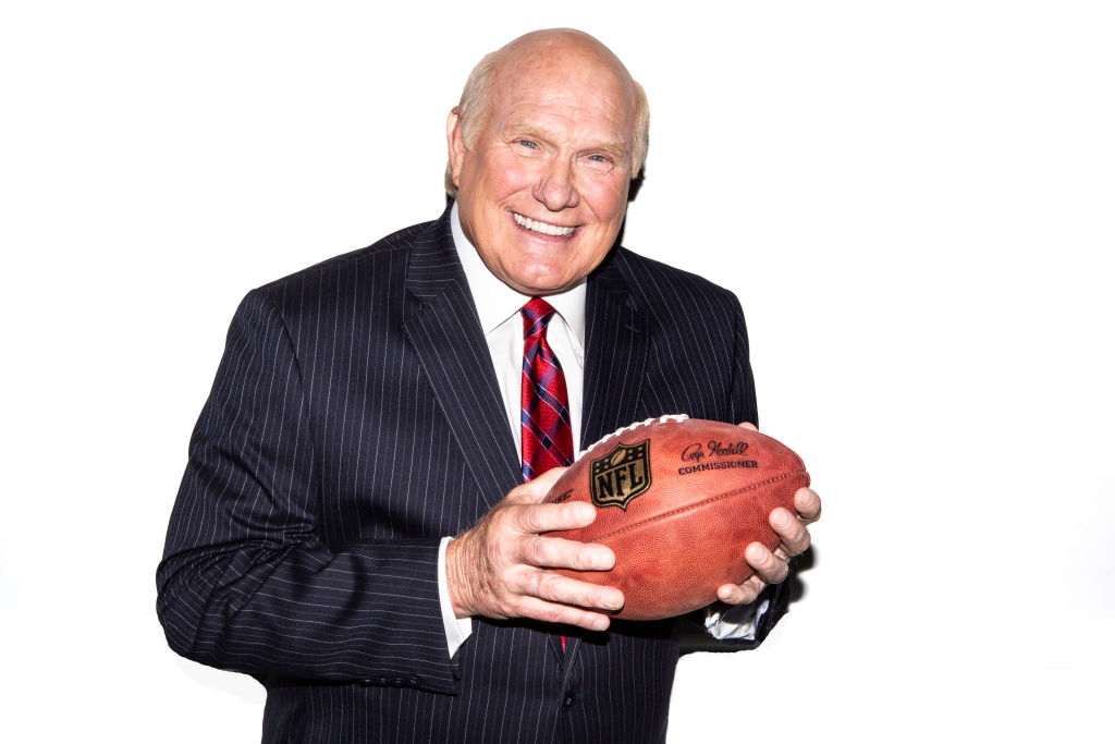 Terry Bradshaw posing for a photo