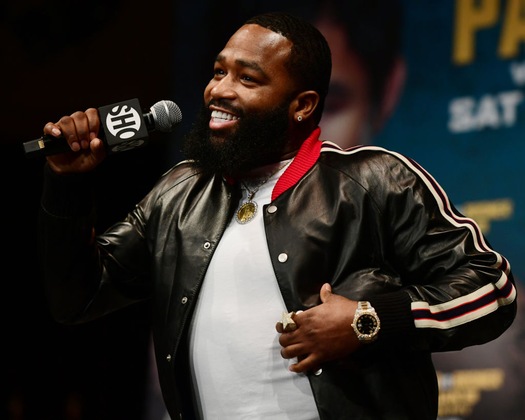 Adrien Broner speaks to fans