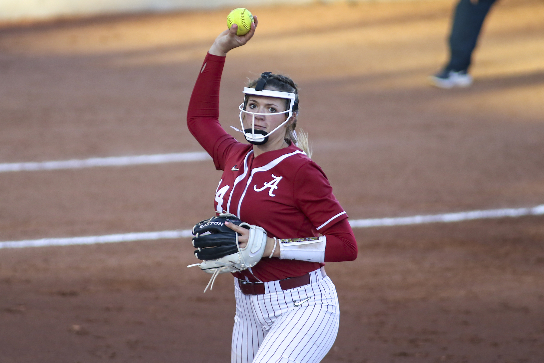 Alabama Crimson Tide Montana Fouts throws the ball