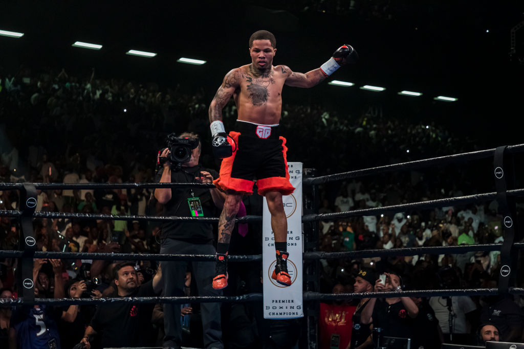 Gervonta Davis celebrates after defeating Ricardo Nunez in 2019
