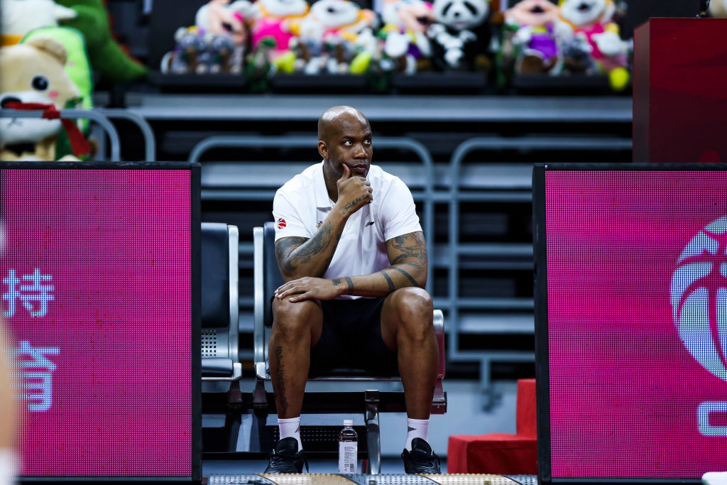 Head coach Stephon Marbury of Beijing Royal Fighters attends a training session