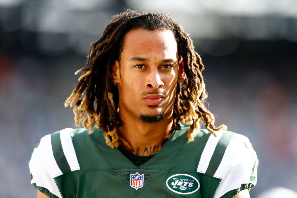Robby Anderson looks on during a Jets game