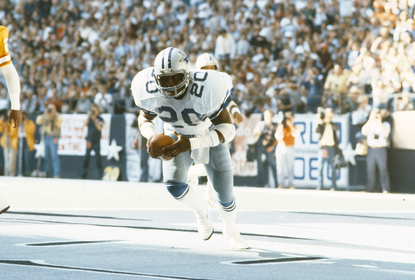 In his career, Ron Springs shared some of the load in the Dallas Cowboys' backfield with Tony Dorsett. He, however, ultimately died too soon.