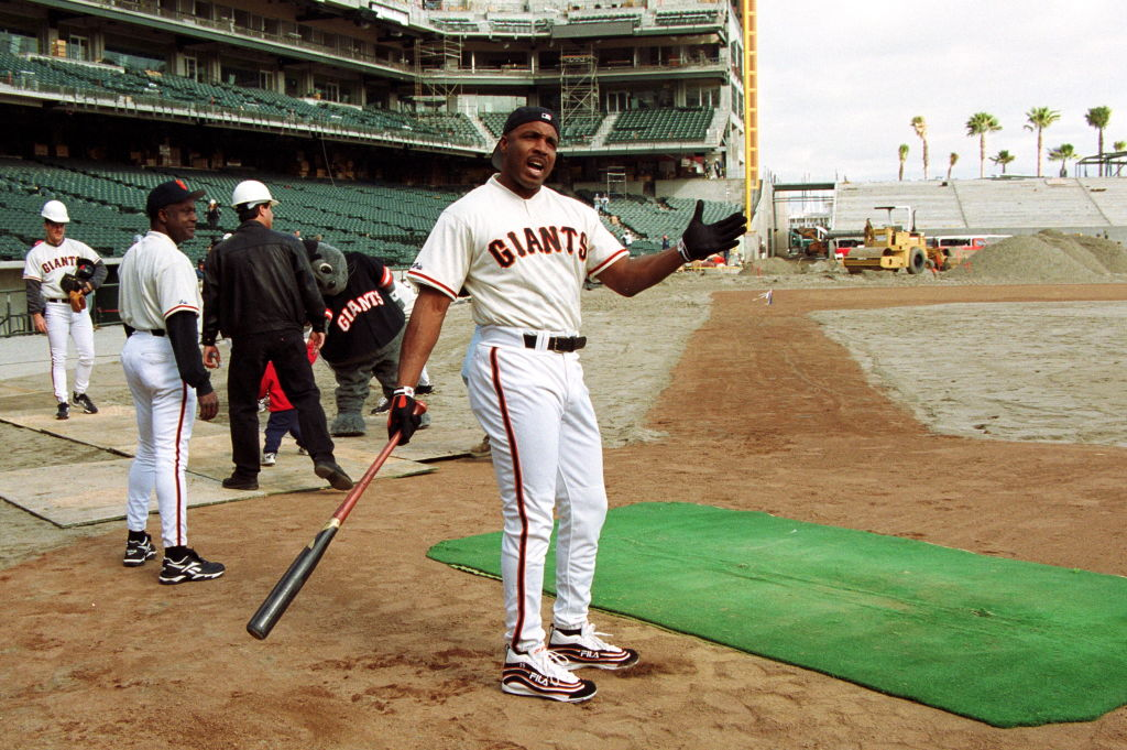 San Francisco Giants slugger Barry Bonds swings his arm before batting practice in 2000