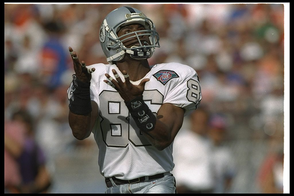 Wide receiver Raghib Ismail of the Los Angeles Raiders