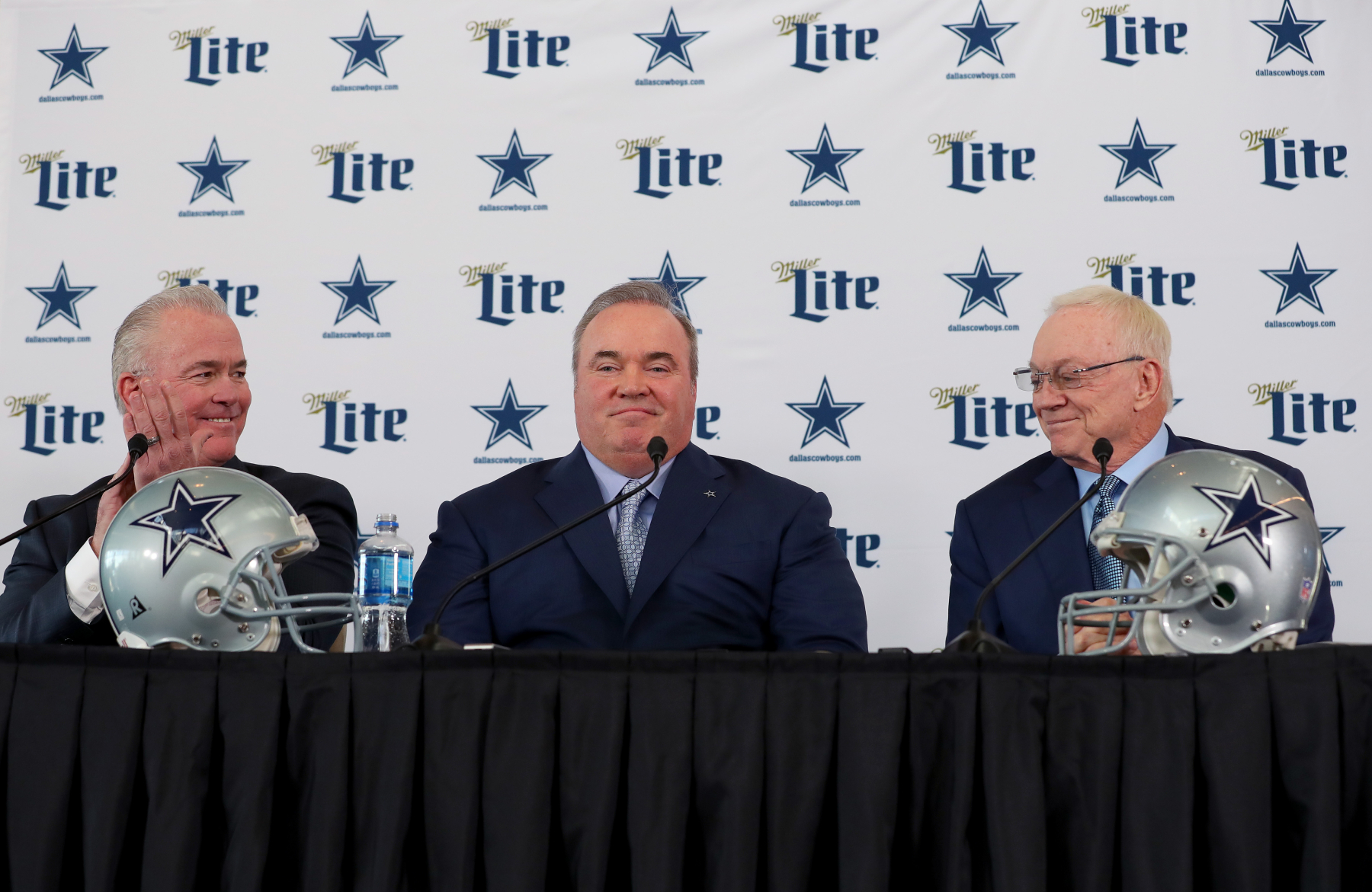 Jerry Jones' Dallas Cowboys team has one massive hole on its roster. Could they end up getting a big upgrade before next season?