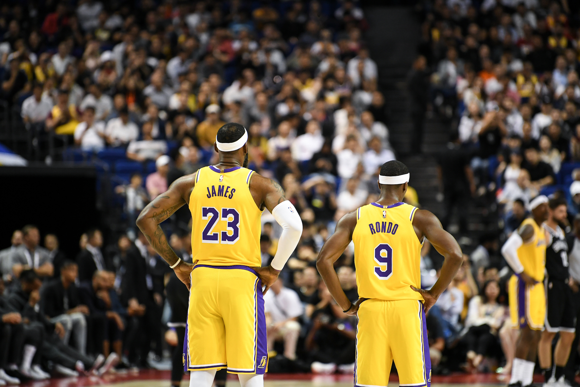 The Lakers are one of the favorites to win it all in 2020, but a devastating injury just put a damper on their title hopes.