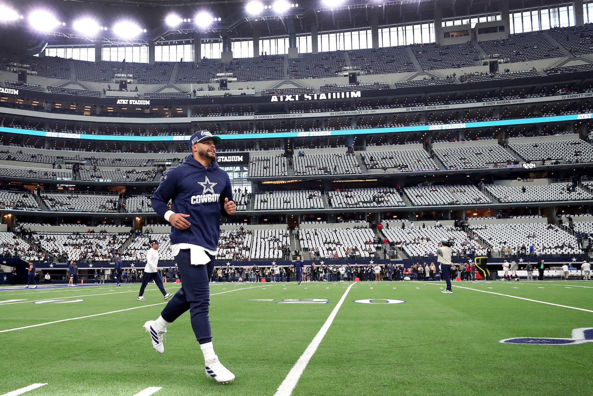 Dak Prescott and the Dallas Cowboys have until Wednesday to decide on a long-term contract, but the QB would be foolish to sign right now.