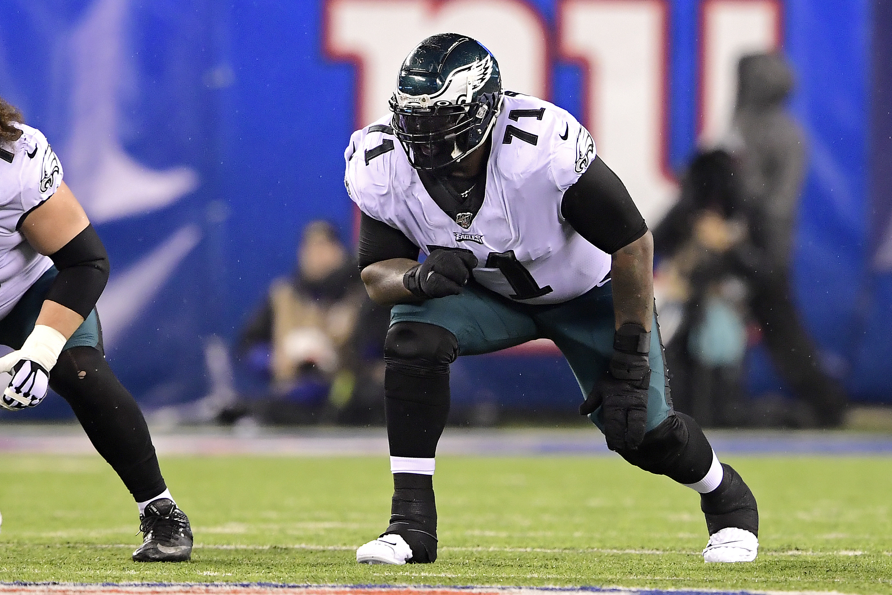Jason Peters is returning to the Philadelphia Eagles to play right guard, but it actually isn't the first time he's had to switch positions.