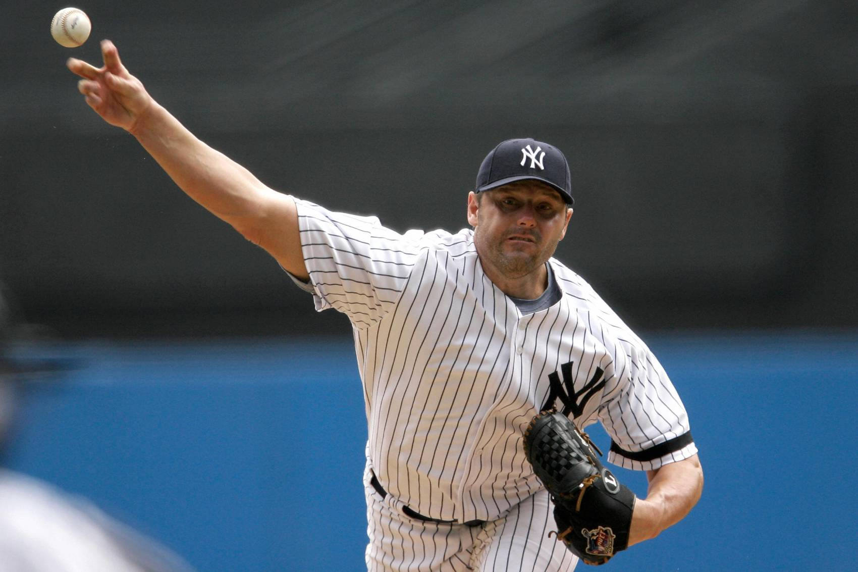 Former Yankees ace Roger Clemens will manage an independent league team with his son this summer.