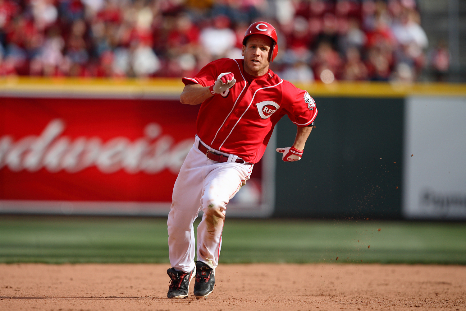 Ryan Freel became a fan favorite while playing for the Cincinnati Reds. He, however, sadly died shortly after his baseball career.