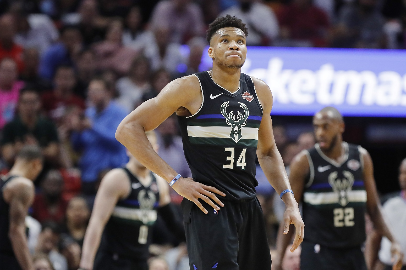 Giannis Antetokounmpo Bucks Scottie Pippen