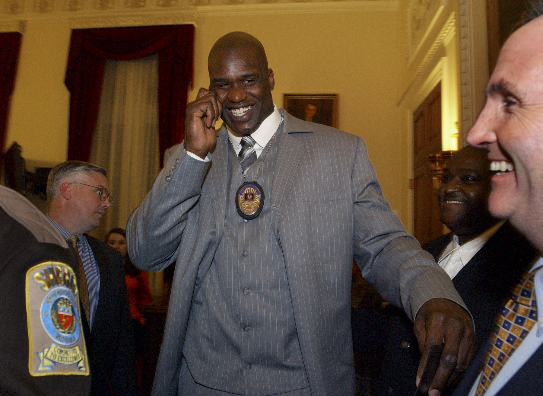 Even before Tuesday's roadside assistance, Shaquille O'Neal has a history of helping strangers and law enforcment.
