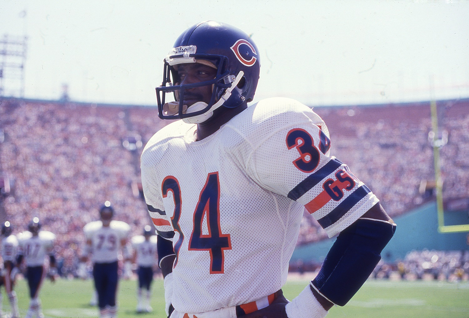 Walter Payton Had His Own 'Flu Game' and Broke an NFL Record Previously Held by O.J. Simpson