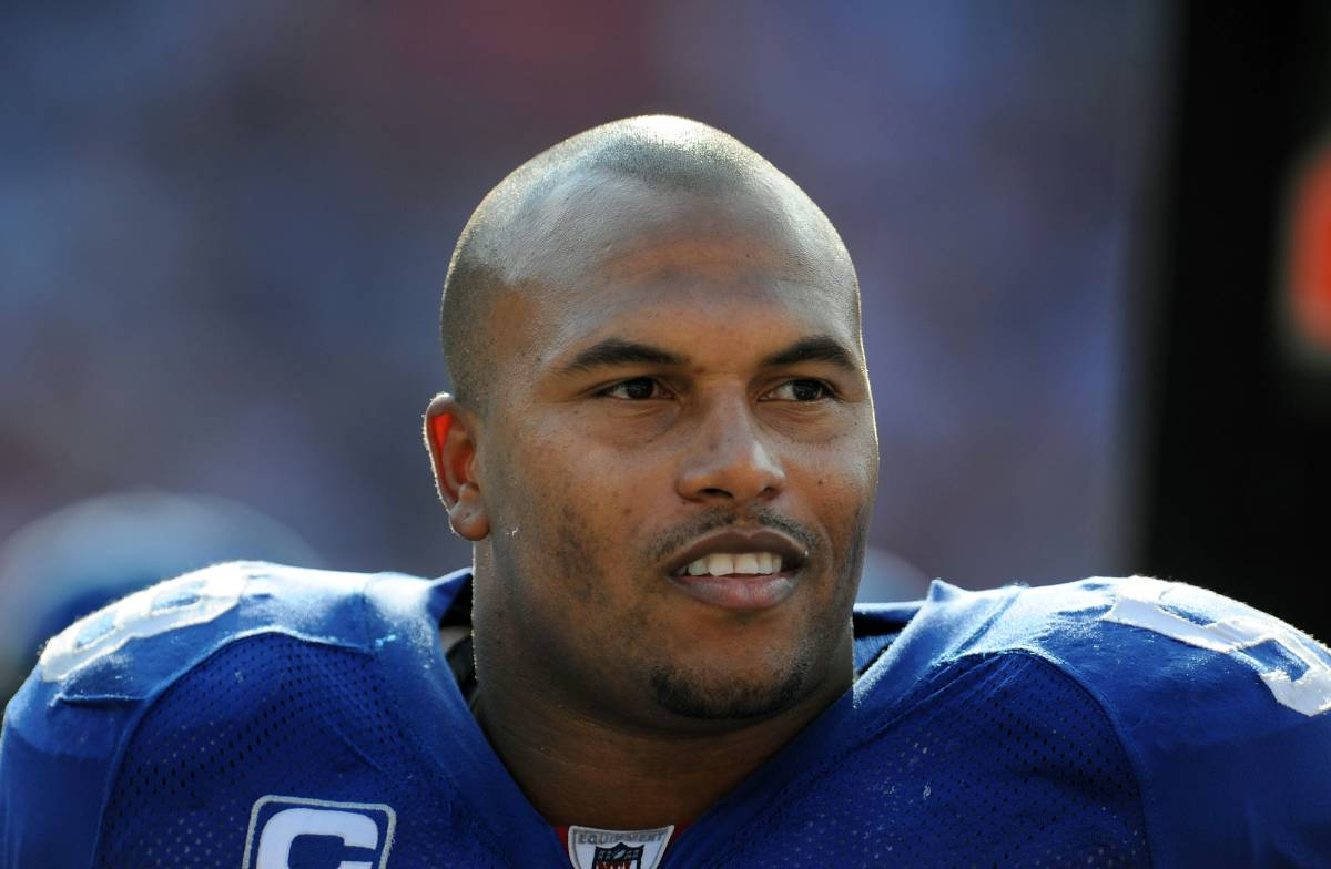 Veteran linebacker Antonio Pierce won a Super Bowl with the New York Giants in 2008.