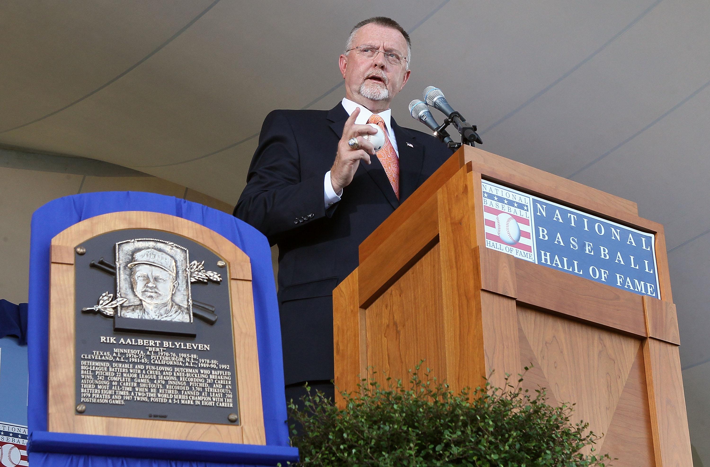 Bert Blyleven giving his Baseball Hall of Fame speech