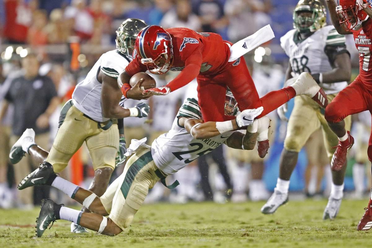Former Florida Atlantic and 'Last Chance U' quarterback De'Andre Johnson has a new job.