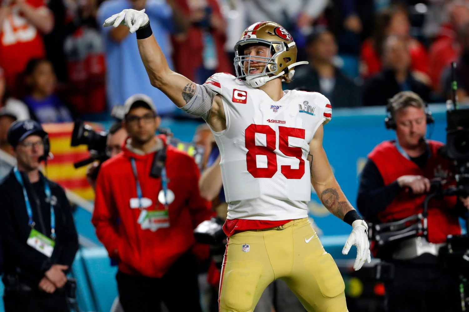 George Kittle just scored a $75 million contract from the San Francisco 49ers.
