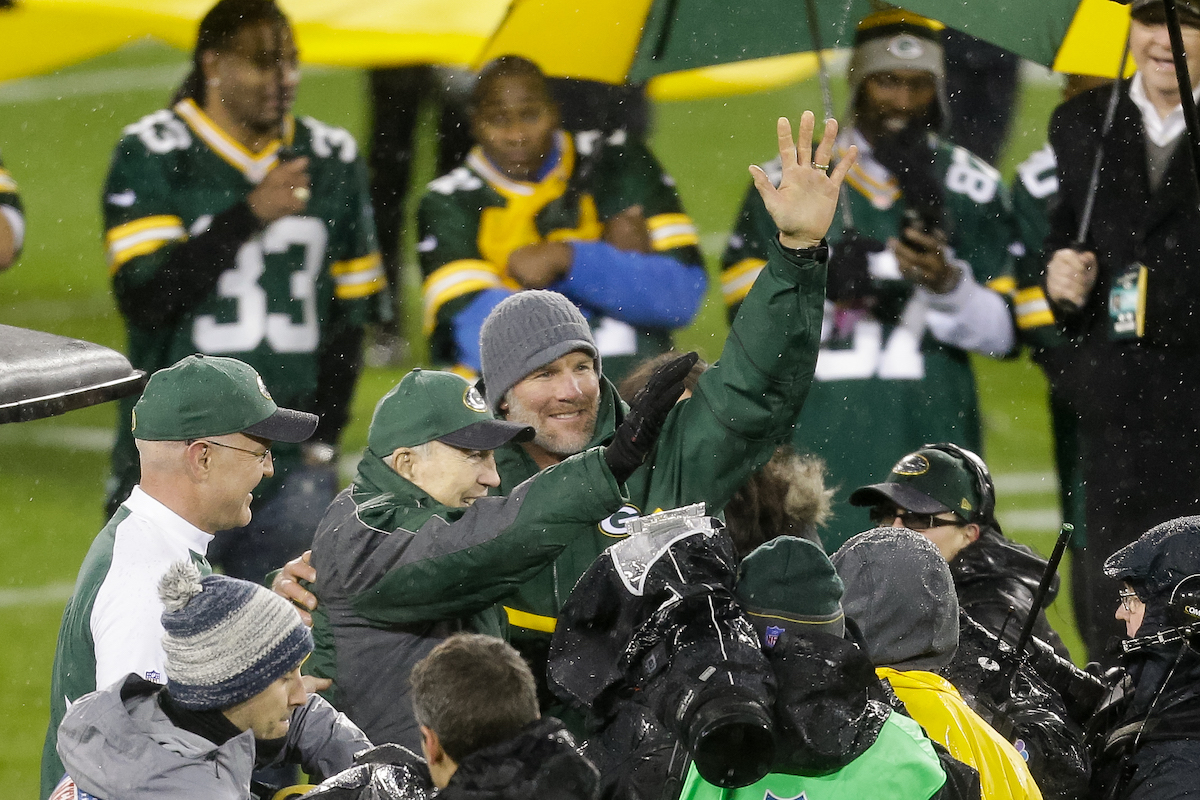 Bart Starr vs. Brett Favre: Who Was a Better Quarterback?